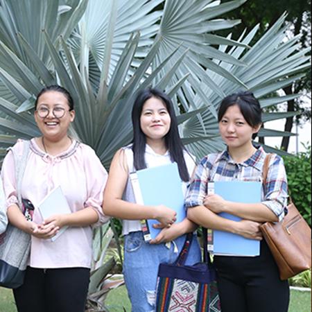 1200 international students